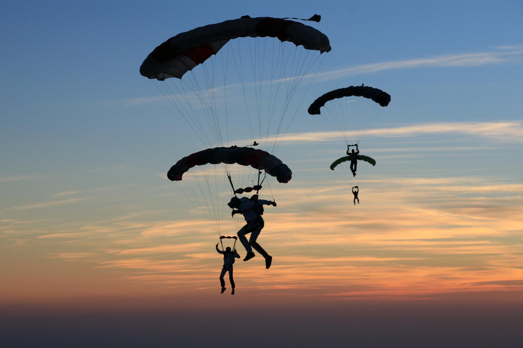 M diath que adrenalinexperience parachutisme photos stage - Saut en parachute nevers ...